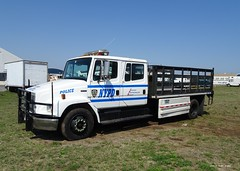 NYPD - Patrol Borough Staten Island - 2003 Freightliner Truck