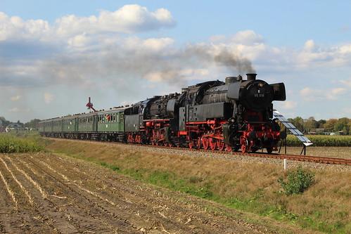 2018-09-01; 0230. SSN 65 018 EN VSM 50 0073-2 met trein 41. Ruggeweg, Lieren. Terug naar Toen.