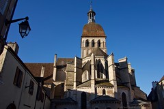 Rear view of Collégiale Notre Dame in Beaune - Photo of Chorey-les-Beaune