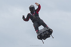 FlyBoard by Franky Zapata - Photo of Mennecy