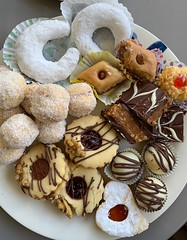 'Cadeaux de parents d'élèves', a l'occasion de la fin du ramadan, Morsang-sur-Orge (France)