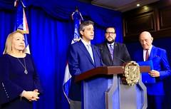 Inversionistas españoles presentan a Danilo Medina proyecto astillero en Azua para construcción y reparación de buques. Crearán 600 empleos