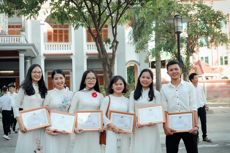 Sinh viên bế giảng 2019