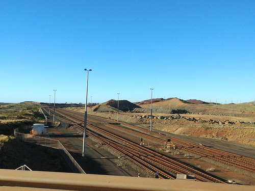 Railway tracks to Port Walcott