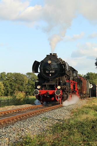 2018-09-01; 0269. VSM 52 8139 met trein 794za. Broeksweg, Eerbeek. Terug naar Toen.
