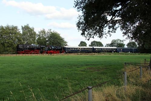 2018-09-01; 0258. SSN 65 018 en VSM 64 415 met trein 60. Horsterdijk, Eerbeek. Terug naar Toen.