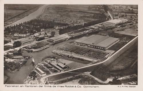 Ansichtkaart - Fabrieken en Kantoren der firma de Vries Robbe en Co Gorinchem KLM Foto nr 8979