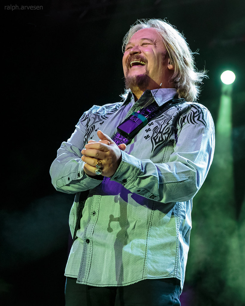 Travis Tritt | Texas Review | Ralph Arvesen