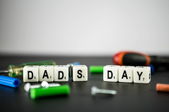 Phrase DAD'S DAY with tools around