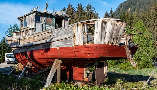 Preview of our holiday in Canada and Alaska. - Abandoned boat, Hoonah, Alaska.