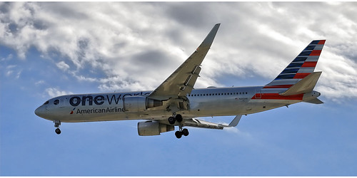 American Airlines N343AN