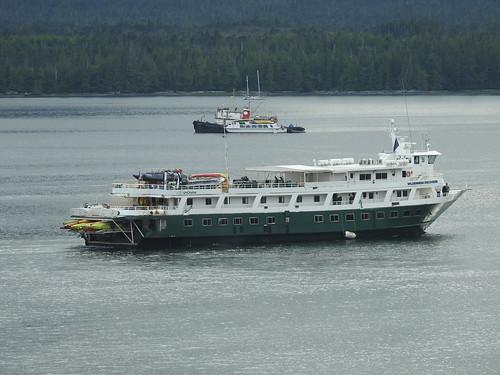 Wilderness Discoverer tour boat