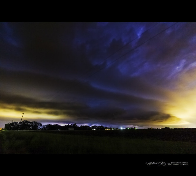 Rural Mattoon, IL - night time shelf cloud/gust front with lightning