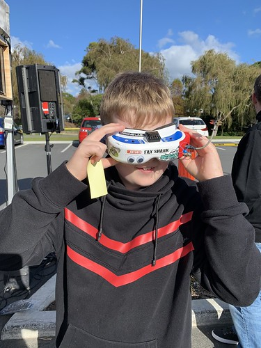 Headset for drone racing