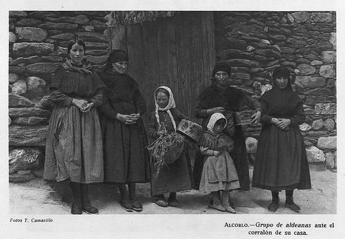 Alcorlo, grupo de aldeanas
