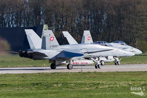 J-5007 F-18C Hornet   EHLW/LWR   01.04.2019