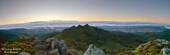Le pic des trois dents dans les monts du Pilat avant le lever du soleil