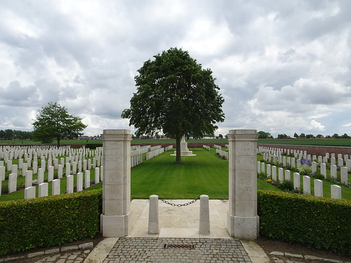 The Huts Military cemetery