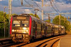Train, fils et ciel électriques