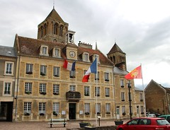 Saint-Pierre-sur-Dives, Calvados - Mairie - Photo of Ernes