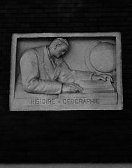 14 - Nogent-sur-Marne -Rue Bauyn de Perreuse - Lycée Edouard Branly - Façade, Détails - Bas-reliefs, Histoire-Géographie