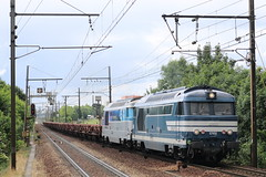 BB 67456 + BB 67614 / Plaisir-Grignon - Photo of Trappes
