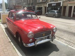 An old Peugeot 403 parked in Falaise, Normandie - Photo of Falaise
