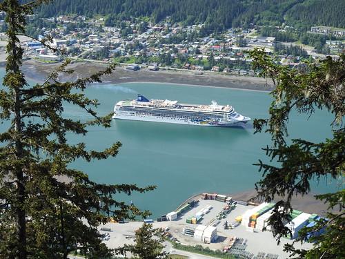 Norwegian Jewel arriving at Juneau