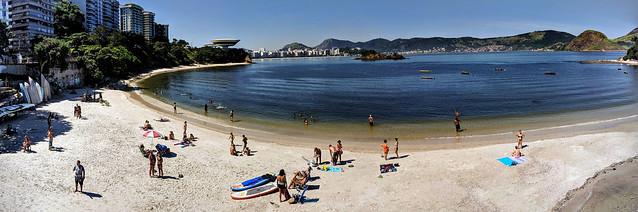 Niterói beach, with Museu de Arte Contemporânea (MAC) in the background