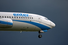 Boeing 737-8Q8, Enter-Air, provenance Toulon, SP-ESA - Photo of Seclin