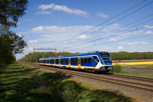 NS SNG - trein 8149 Zwolle - Groningen  - Hooghalen