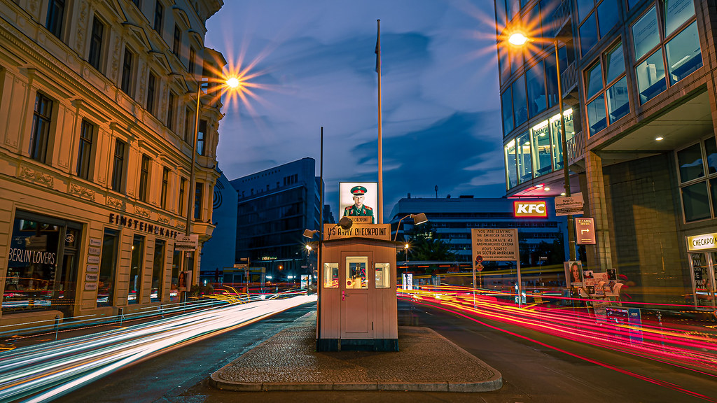 Checkpoint Charlie, Berlin, Germany picture