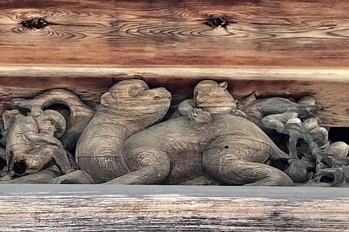 猿投神社の親子猿