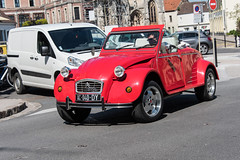 Not seen a 2CV as a convertable before - Photo of Campigneulles-les-Grandes