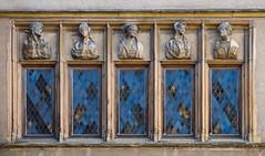 Sulle finestre....personaggi sconosciuti - Photo of Hauteville-lès-Dijon