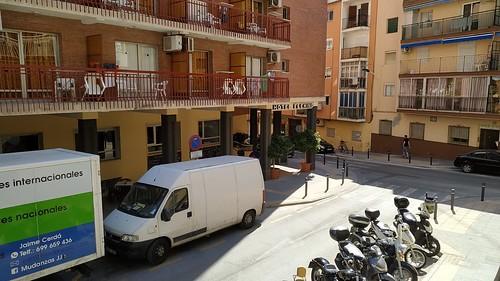 Piso situado en pleno centro y a 2 minutos de la playa, soleado.  Solicite más información a su inmobiliaria de confianza en Benidorm  www.inmobiliariabenidorm.com