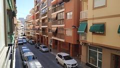Situado en pleno centro cerca de todos los servicios y de la playa. Solicite más información a su inmobiliaria de confianza en Benidorm  www.inmobiliariabenidorm.com