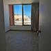 Dormitorio doble, provisto de armarios empotrados.  En su inmobiliaria Asegil en Benidorm le ayudaremos sin compromiso. www.inmobiliariabenidorm.com