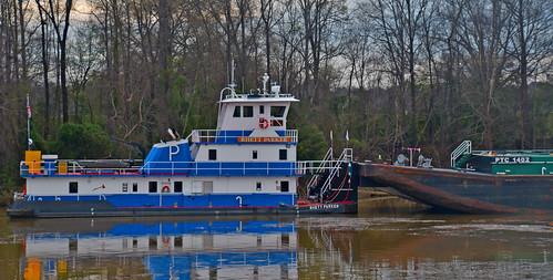 The 'Rhett Parker' -- Towboat on the Black Warrior River at Tuscaloosa (AL) February 2019