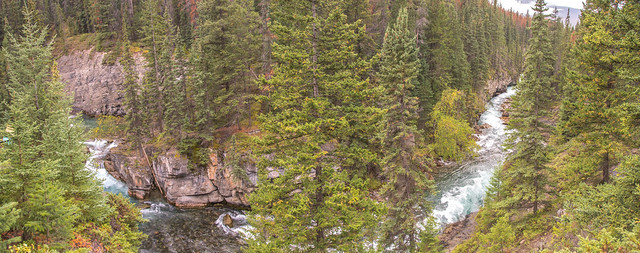 Maligne Canyon 9
