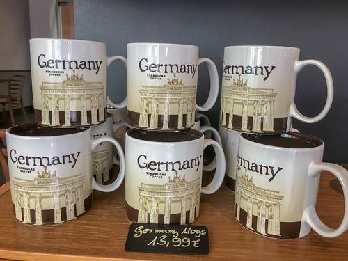 Germany Mugs - Deutschlandtassen- als Souvenir aus einem deutschen Starbucks Coffee Shop, mit dem Abbild des Brandenburger Tors