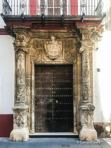 Portalada de la calle Santo Domingo de Sanlucar.