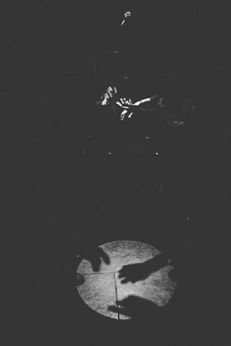 Too handsy? 😊  #themoonlight #noiretblanc #majestic_people #human #hands #artofvisuals #streetgrammer #lensculture #SPiCollective #FlickrArt #gallery_legit #bnw #bnw_edits #galleryart #bnw_rose #bnw_drama #lightandshadow #blackandwhite #humanedge #F