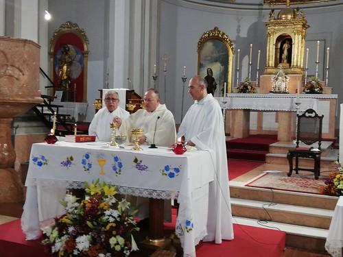 Bendición nuevo altar y Primeras Comuniones  - junio 2019 - 04