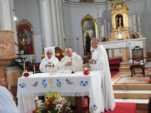 Bendición nuevo altar y Primeras Comuniones  - junio 2019 - 10