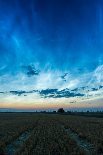 The shortest night (with noctilucent clouds)