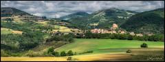 Montaigut le blanc .ma position ,? Mont-Rose....De droite a gauche le Puy de la Rodde / Puy de Gourdon / le Puy D'Olloix / Plateau de la Pinière - Photo of Neschers