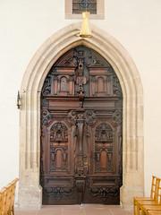 Porte principale de l'église des Jésuites