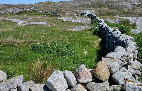 Dry rock walls