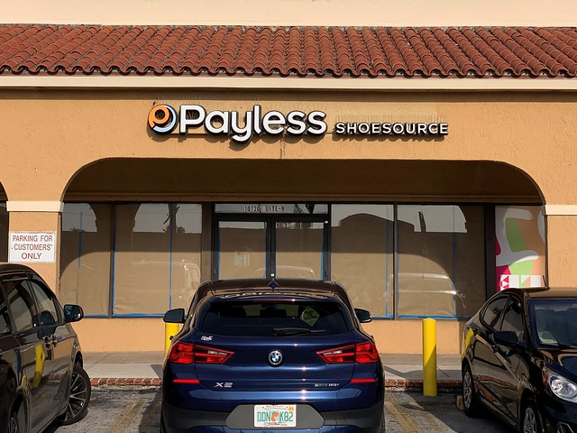 Closed Payless ShoeSource  Sweetwater